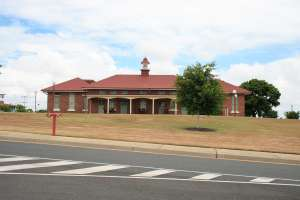 Challinor Centre - Byron House (2009); Heritage Branch staff