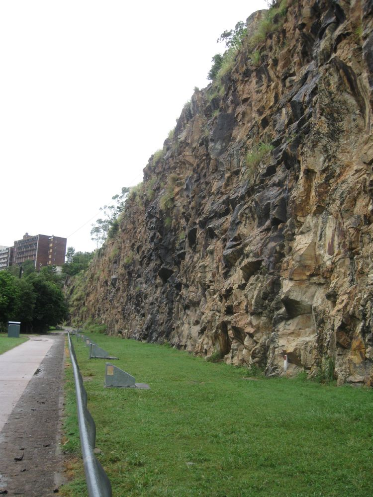 Kangaroo Point Cliffs Environment Land And Water