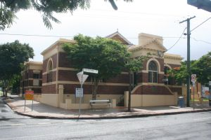 Hamilton Town Hall (2009); Heritage Branch staff