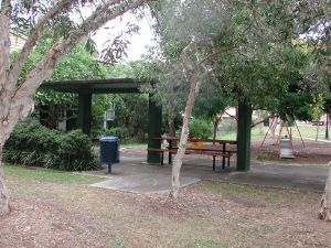 Woolloongabba shelter (2004); Heritage Branch staff