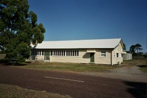 Second World War RAAF Buildings, Maryborough Airport (2005); Heritage Branch staff