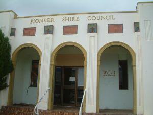 Pioneer Shire Council Building (former) (2006); Heritage Branch staff
