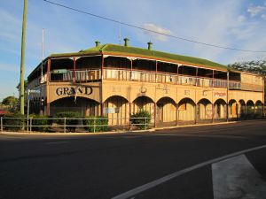 The Grand Hotel, corner of Stansfield and Gray Streets (2014); Vic Bushing
