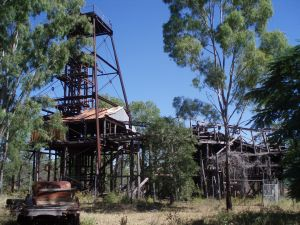 Bowen Consolidated Colliery (2007); Heritage Branch staff