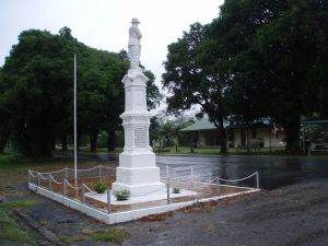 Finch Hatton War Memorial (2009); Heritage Branch staff