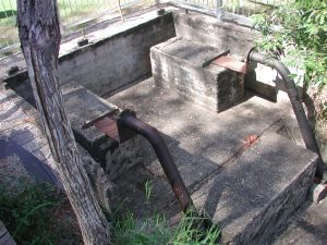 Lagoon Creek Railway Water Supply Facility and Pump Station (2006); Heritage Branch staff