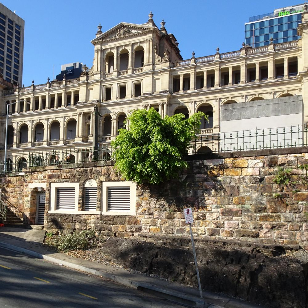 William Street and Queens Wharf Road retaining walls   Environment ...