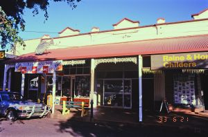 Shops at 102-108 Churchill St (1993); Heritage Branch