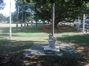 Bulimba Memorial Park ; Heritage Branch staff
