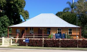 Cardwell Post Office - Residence (former) (2008); Heritage Branch staff