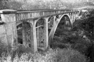 Lockyer Creek Railway Bridge, Lockyer ; Heritage Branch staff