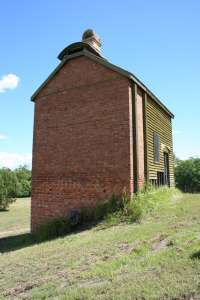 No. 1 Scottish Gympie Mine and Battery, Retort house from E (2009); Heritage Branch staff