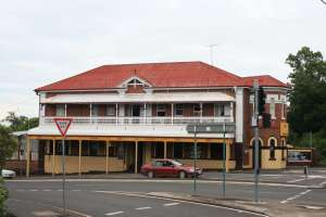City View Hotel, Ipswich (2009); Heritage Branch staff