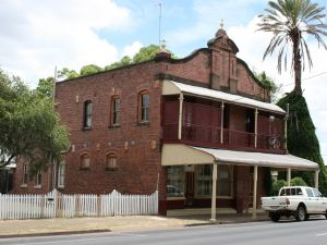 Whitehouse's Bakery (former), Laidley (2009); Heritage Branch staff
