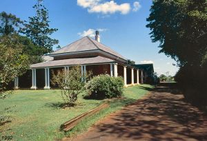 Ormiston House Estate (1992); Heritage Branch staff