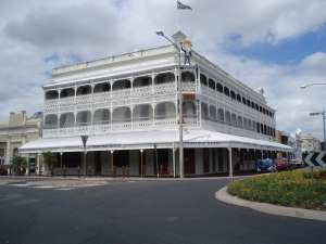 Commercial Hotel and Chambers (former), from N (2009); Heritage Branch staff