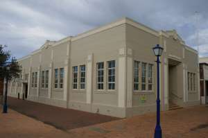 Dalby Town Council Chambers and Offices (former) (2008); Heritage Branch staff