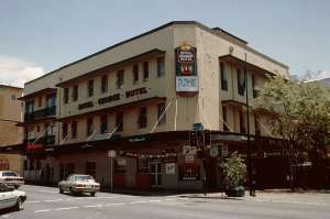 Royal George Hotel and Ruddle's Building (1997); Heritage Branch staff