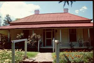 Assmanshausen Winery and Residence (former) (1998); Heritage Branch staff