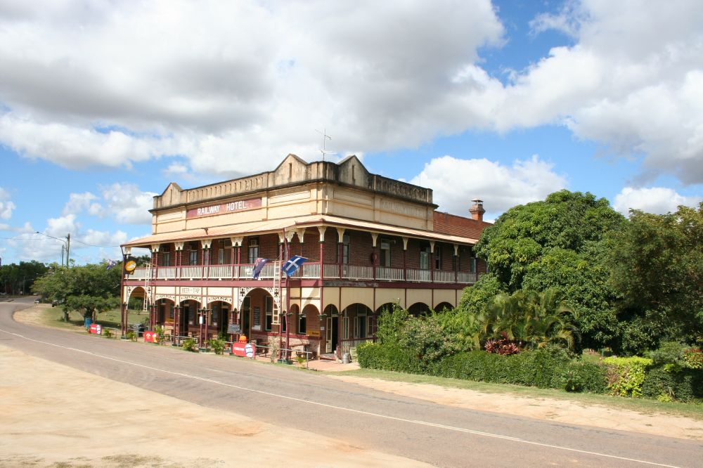 Railway Hotel Ravenswood Environment Land And Water