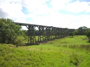 Splitters Creek Railway Bridge (2011); Heritage Branch staff